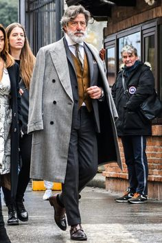 Suit Fashion, Mens Fashion, Fashion Outfits, Men Fashion Design, Mode Masculine, Mode Costume, Herren Outfit, Gentleman Style, Winter Looks