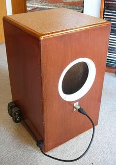 Harmen's Music Pages.: My Cajon has a microphone