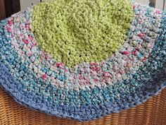 "Hand Made Crochet Rag Rug ~NEW 30"" Round ~COUNTRY  CHIC~ CUTE !"