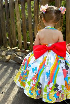 Lane wore her new rainbow dress to the Magic Kingdom today. :D Mommy made it out of a vintage Mickey Mouse bed sheet. Little Girl Fashion, Little Girl Dresses, Toddler Fashion, Toddler Outfits, Kids Fashion, Girls Dresses, Disney Fashion, Disney Dresses For Girls, Disney With A Toddler