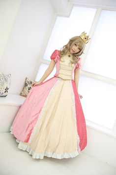 #Princess #Peach #cosplay.