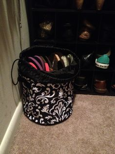 The solution to not having a home for all my flip flops. Store them in the new Cinch-Top Bin from Thirty-One in Black Parisian Pop.   #ThirtyOne #ThirtyOneGifts #Organize #Monogram #Personalize #Bag #Tote