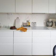 Kitchen White Scandinavian kitchen Voxtorp Ikea kitchen Scandinavian Kitchen, White Kitchen, Interior, Kitchen Cabinets, Kitchen Room, Ikea Interior, Kitchen, New Kitchen, Ikea Kitchen