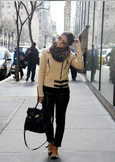 #leather #leopard #print Thassia Naves