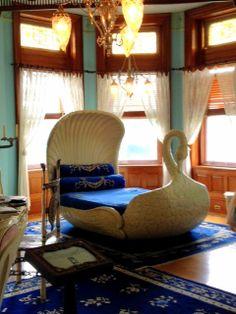 Maymont Mansion Swan Bed