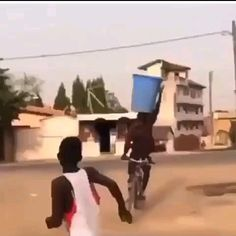 World Funny Videos, Funny Prank Videos, Crazy Funny Videos, Funny Videos For Kids, Funny Science Jokes, Some Funny Jokes, Stupid Funny Memes, Funny Relatable Memes, Cute Funny Quotes