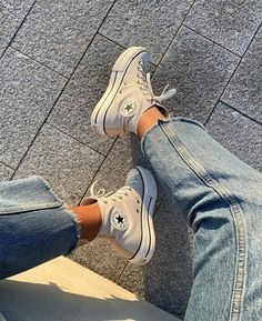 Mode Converse, Sneakers Mode, Outfits With Converse, Sneakers Fashion, Fashion Shoes, Pastel Converse, Vans Sneakers, Dr Shoes, Hype Shoes