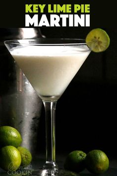 Key Lime Pie Martini inspired by Princess Cruises Wheelhouse Bar while on our Alaskan Cruise. The blend of coconut rum and vanilla vodka along with pineapple, lime and cream tastes like key lime pie in a glass! Cocktails With Malibu Rum, Lime Drinks, Fancy Drinks, Yummy Drinks, Yummy Food, Key Lime Pie Shot, Key Lime Pie Martini, Rum Recipes, Martini Recipes