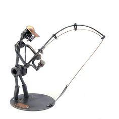 Schraubenmännchen Angler . Angler mit Angelrute Schenken Sie das Schraubenmännchen als eine dekorative Anspielung auf das Hobby eines Anglers. Weitere Ideen zum