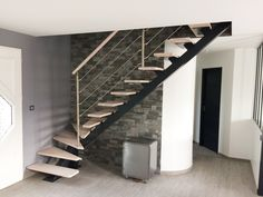 Industrial style metal and wood staircase. Quarter-turn metal staircase and wooden steps . Staircase Wall Decor, Wood Staircase, Staircase Design, Stairs, Wooden Ramp, Wooden Steps, Escalier Design, Industrial Style, Industrial Metal