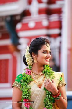 Traditional Hindu Wedding - Just two words - Traditional Elegance!!! #Traditional #Wedding #Elegance Watch more @ wevaphotography.com