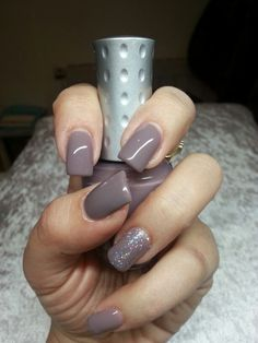 TAUPE NAILS | GEL POLISH | GLITTER