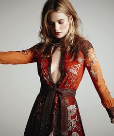 """louisquinnzel-edits: """" LILY JAMES for the hollywood reporter """" Lily James, Style Feminin, Celebrity Wallpapers, The Hollywood Reporter, Fashion Images, Dream Dress, Frocks, Dress Up, Celebs"""