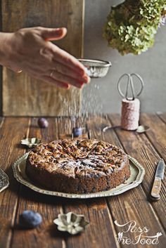 Pass the Food: plum cake with walnuts and chocolate