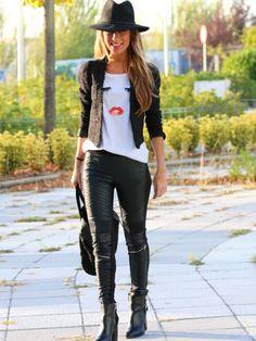 470a2645ec0 Eyelash Lip Print Rolled Sleeve Loose T-shirt -SheIn(Sheinside)- need