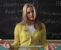 Clueless is an iconic movie with amazing fashion. Luckily, the style Cher Horowitz rocks is still very in, and recreating is so easy. Cher Clueless Outfit, Clueless 1995, Clueless Fashion, 90s Fashion, Clueless Aesthetic, Retro Aesthetic, Hippie Look, Clueless Quotes, 90s Inspired Outfits