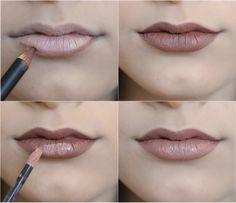 Com lápis de boca marrom   batom líquido bege você consegue o marronzinho que está com tudo no Instagram. | 15 misturinhas para você se inspirar com suas maquiagens
