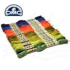 Linha para Bordar DMC Mouliné Spécial 8m  Composto por 6 fios facilmente separáveis, pode variar os efeitos conforme o número de fios utilizados. Os algodões de fibras longas, os melhores do mundo, dos quais é oriundo e seu duplo mercerizado, dão-lhe um brilho excepcional. Os corantes selecionados asseguram-lhe uma solidez excelente face à luz e à lavagem.  Contém: 8 metros Composição: 100% Algodão  Fabricante: DMC
