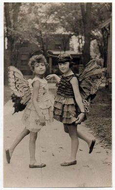 the last door down the hall great vintage freebies - People Photos - Ideas of People Photos - the last door down the hall great vintage freebies Vintage Pictures, Old Pictures, Vintage Images, Old Photos, Antique Photos, Vintage Children Photos, Children Pictures, Art Children, Photo Vintage