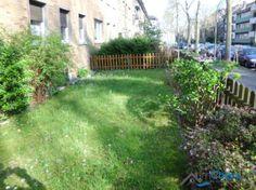 Von der Wohnung aus kann unmittelbar auf die Grünfläche geschaut werden.
