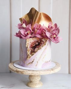 this cake is MAJOR love ❣loving the gold sails and the cymbidium! Birthday Cake For Women Elegant, Elegant Birthday Cakes, Beautiful Birthday Cakes, Birthday Cakes For Women, Elegant Cakes, Beautiful Cake Designs, Beautiful Cakes, Amazing Cakes, Bolo Geode