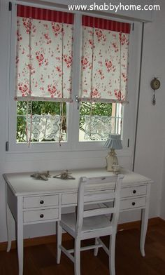 Shabby Home: tutorial how to sew a Shabby Chic awning Cortinas Country, Cortinas Shabby Chic, Estilo Shabby Chic, Shabby Chic Style, Home Curtains, Curtains With Blinds, Diy Roman Shades, Girl Desk, Room Divider Curtain