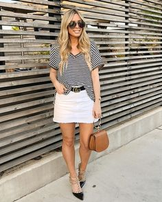 Look up all the newest looks you love in ladies skirts at Street Outfitters. You'll love our collection of midiskirts, suede mini skirt, minute skirts and more. Denim Skirt Outfit Summer, White Skirt Outfits, White Denim Skirt, Suede Mini Skirt, White Skirts, Mini Skirts, Mode Inspiration, Fashion Inspiration, Fashion Outfits