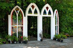 Aux portes du jardin d'ombre.
