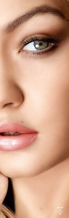 9754261ec873 Gigi Hadid Eyes, Gigi Hadid Lipstick, Pretty Makeup, Love Makeup, Hair  Makeup