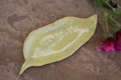 Namaste leaf Dish ceramic ring dish by ManuelaMarinoCeramic