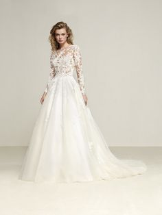 Drizana: Two-piece effect princess style wedding dress - Pronovias | Pronovias