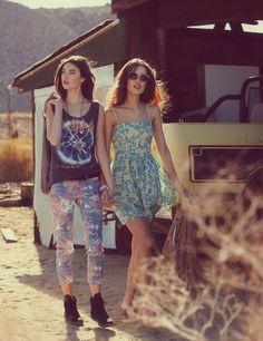 floral jeans, def leppard t.