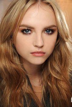 lovely make up. Natural eyes, lots of mascara and nude lips