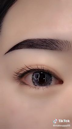 Eyebrow Makeup Tips, Makeup Tutorial Eyeliner, Makeup Looks Tutorial, Makeup Eye Looks, Eye Makeup Steps, Beautiful Eye Makeup, Makeup Videos, Skin Makeup, Eyeshadow Makeup
