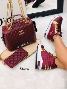 Cute Luxury Chanel You See Me Too Sneaker Wallet Matching Handbag Set Versace Shoes, Chanel Shoes, Luxury Bags, Luxury Shoes, Sneakers Fashion, Fashion Shoes, Louis Vuitton Shoes Sneakers, Handbag Accessories, Fashion Accessories