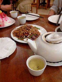 Mie and chinese tea
