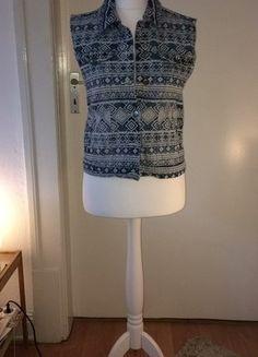 Kaufe meinen Artikel bei #Kleiderkreisel http://www.kleiderkreisel.de/damenmode/jeansjacken/153507500-jeansweste-mit-muster