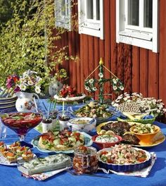 swedish midsummer dinner | How to Throw a Swedish Midsummer Themed Wedding