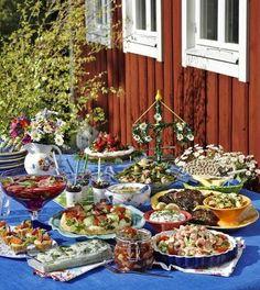 swedish midsummer dinner | How to Throw a Swedish Midsummer Themed Wedding