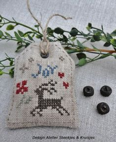 freebie pattern, nice share: thanks so xox  What a fab gift tag and such a generous gesture!