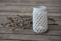 Upcycle your jars into beautiful tea light holders, vases, pencil/tool/cutlery holders with basic crochet stitches. After selling these for a few years now at markets I decided it was time to share