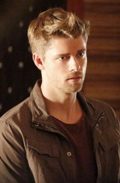 "Lincoln Campbell played by Luke Mitchell. ""Agents of S.H.I.E.L.D."""