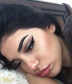 grafika girl and makeup
