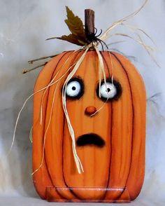 Scary Halloween Pumpkins, Spooky Pumpkin, Pumpkin Faces, Halloween Art, Fall Pumpkins, Pumpkin Carving, Autumn Painting, Painting On Wood, Pumpkin Painting