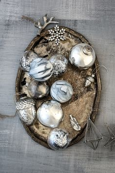 Mix Christmas decorations.   H&M Home