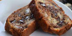 Cake fondant chocolat banane - New ideas Homemade Cake Recipes, Best Cake Recipes, Pound Cake Recipes, Banana Bread Recipes, Sweet Recipes, Simple Recipes, Chocolate Fondant Cake, Chocolate Cake Recipe Easy, Fondant Cakes