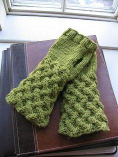 Basket Lattice Fingerless Gloves.