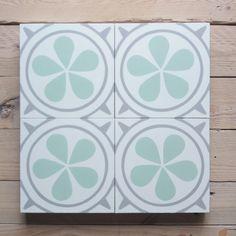 Zementfliesen 323x | dezente Farben Cement Tiles, Bespoke, Design, Floral Theme, Warm Paint Colors, Pastel Colors, Floral Patterns, Taylormade