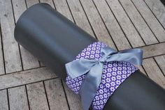 Yoga bow – purple with white flowers (grey bow)
