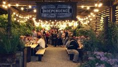 beer gardens at night - Buscar con Google